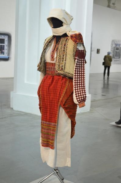 Закарпатский женский костюм