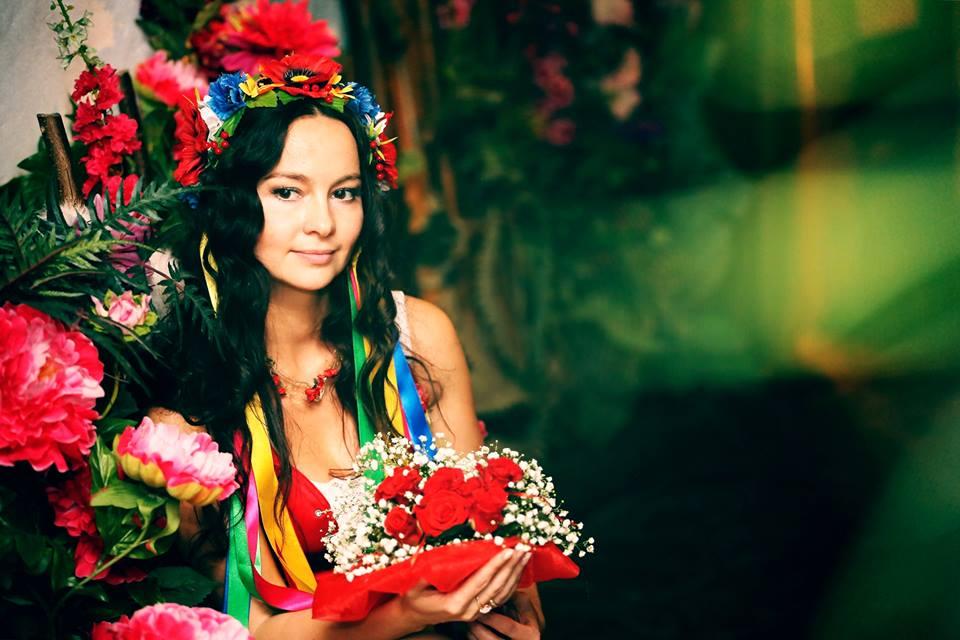 История и новости Оболони Венок, как элемент женского национального костюма    История и новости Оболони Венок, как элемент женского национального костюма